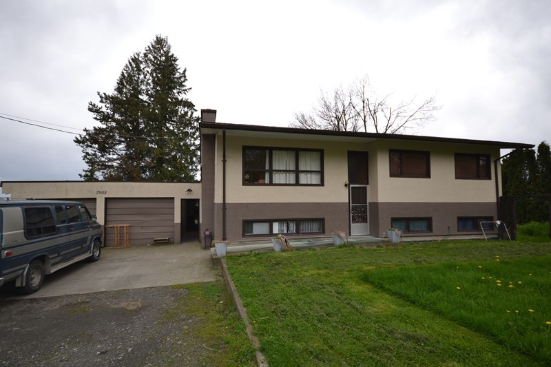 Main Photo: 7505 GIBSON Road in Chilliwack: East Chilliwack House for sale : MLS®# R2158470