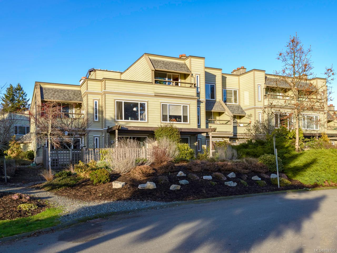 FEATURED LISTING: 304 - 2250 Manor Pl COMOX