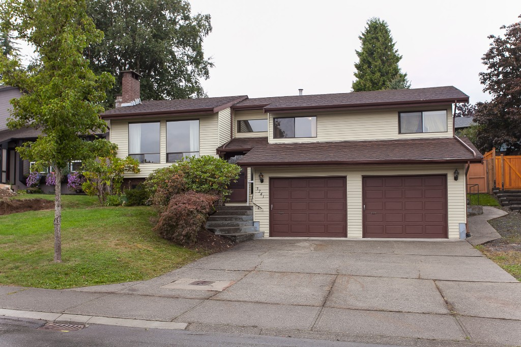 Main Photo: 3741 DUNDEE Place in Abbotsford: Central Abbotsford House for sale : MLS® # R2208880