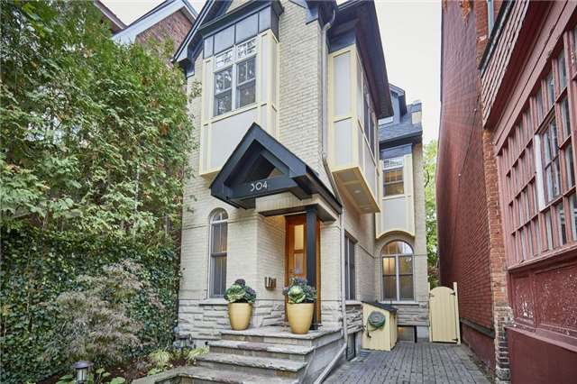 FEATURED LISTING: 304 Wellesley Street East Toronto