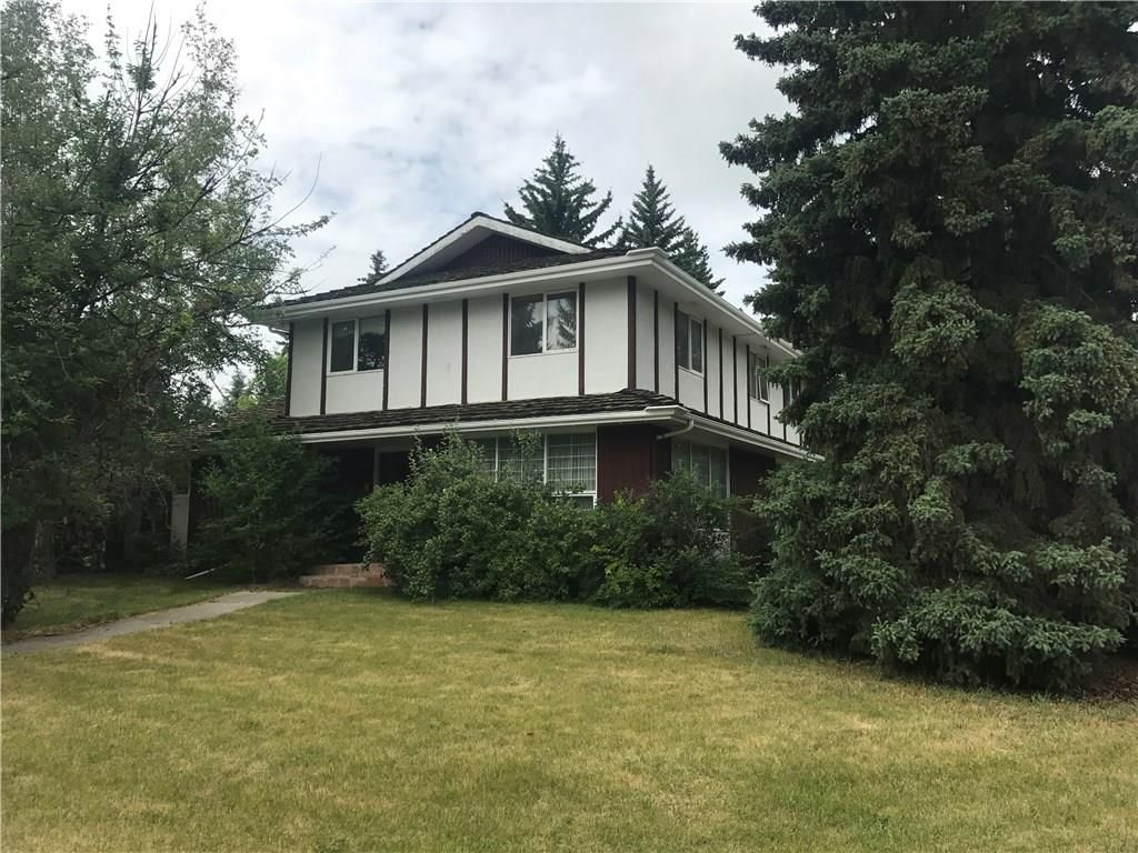 Main Photo: 2806 LINDEN Drive SW in Calgary: Lakeview House for sale : MLS®# C4186733