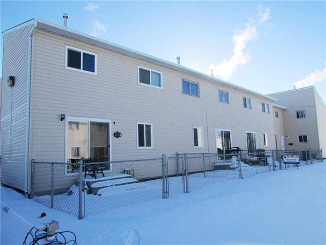 Main Photo: 8824 101ST Avenue in Fort St. John: Fort St. John - City NE Townhouse for sale (Fort St. John (Zone 60))  : MLS® # N233550
