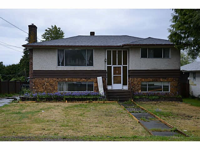 Main Photo: 13553 81 Avenue in Surrey: Queen Mary Park Surrey House for sale : MLS®# R2109114