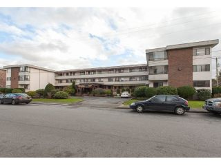 "Main Photo: 308 20420 54 Avenue in Langley: Langley City Condo for sale in ""Ridgewood Manor"" : MLS® # R2232198"