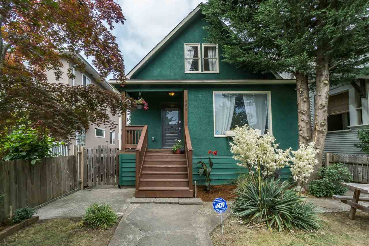 Main Photo: 869 E 13TH Avenue in Vancouver: Mount Pleasant VE House for sale (Vancouver East)  : MLS®# R2242982
