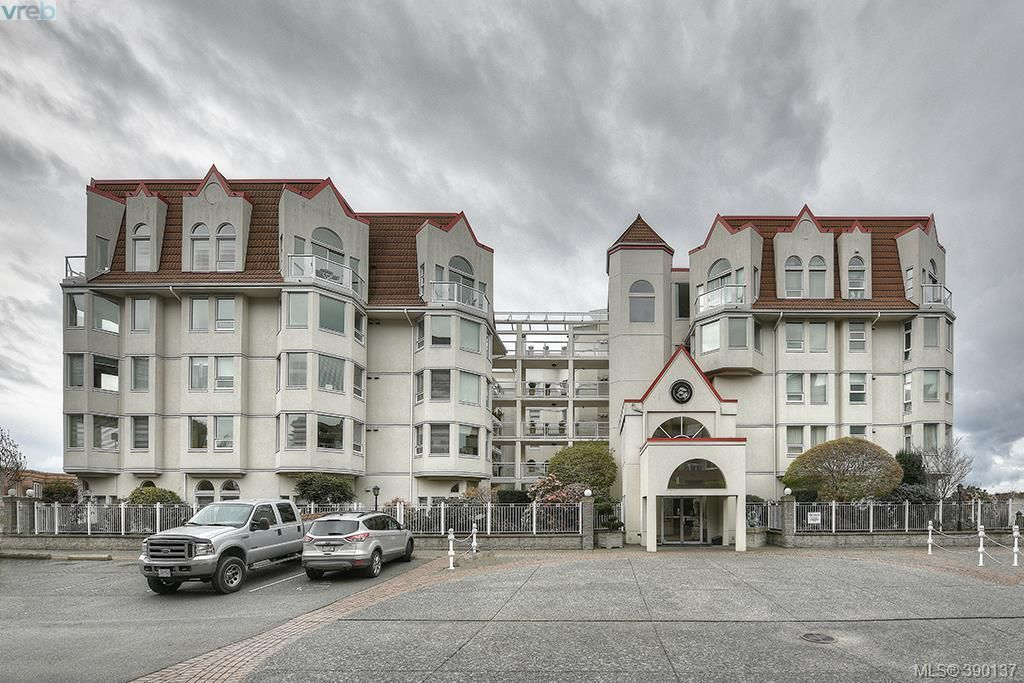 Main Photo: 118 10 Paul Kane Place in VICTORIA: VW Songhees Condo Apartment for sale (Victoria West)  : MLS®# 390137