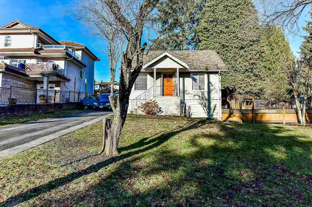 FEATURED LISTING: 1211 THOMAS Avenue Coquitlam