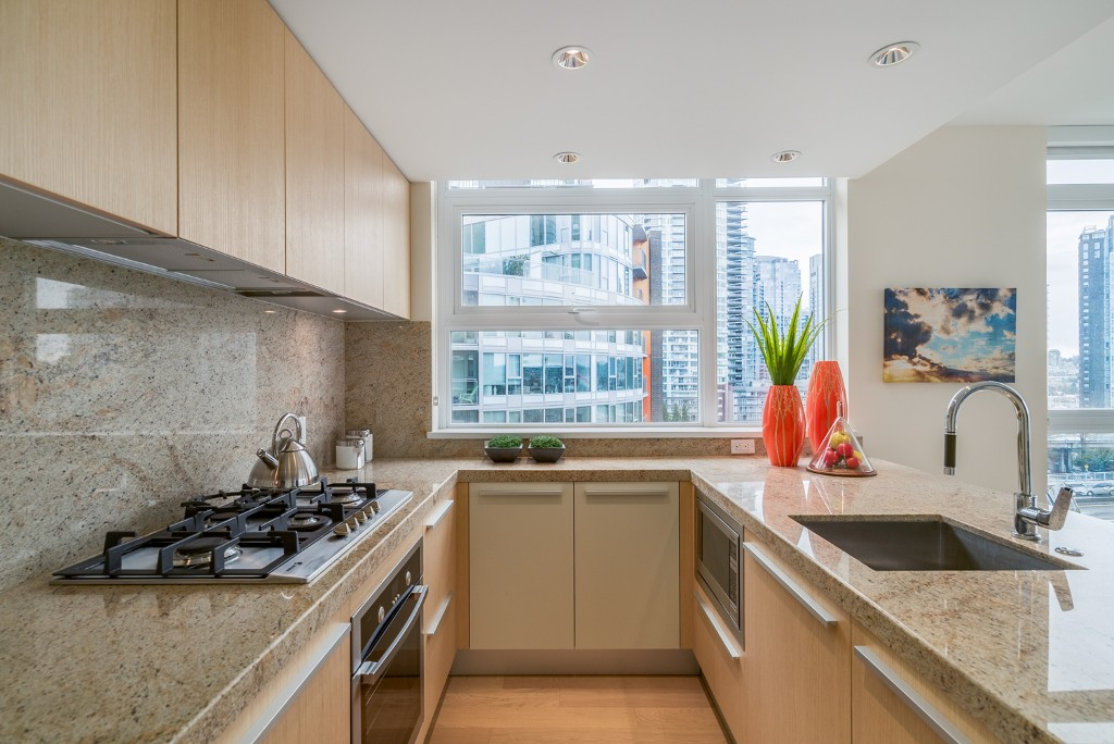 "Main Photo: 806 1351 CONTINENTAL Street in Vancouver: Downtown VW Condo for sale in ""MADDOX"" (Vancouver West)  : MLS®# R2147393"