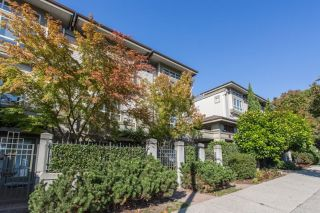 "Main Photo: 29 2375 W BROADWAY in Vancouver: Kitsilano Townhouse for sale in ""TALIESIN"" (Vancouver West)  : MLS®# R2304893"