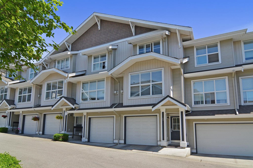Main Photo: 69 20460 66 Avenue in Langley: Willoughby Heights Townhouse for sale : MLS® # R2069974