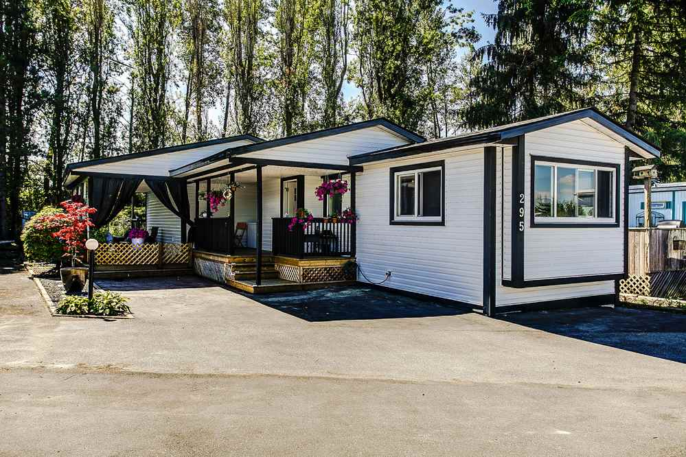 "Main Photo: 295 201 CAYER Street in Coquitlam: Maillardville Manufactured Home for sale in ""Wildwood Park"" : MLS®# R2101810"