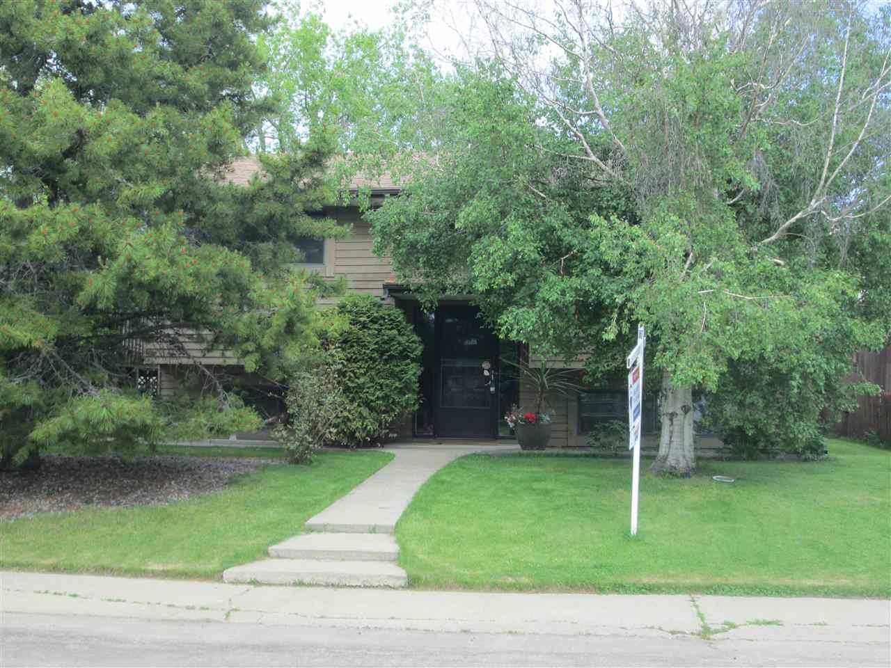 FEATURED LISTING: 7817 26 Avenue Edmonton