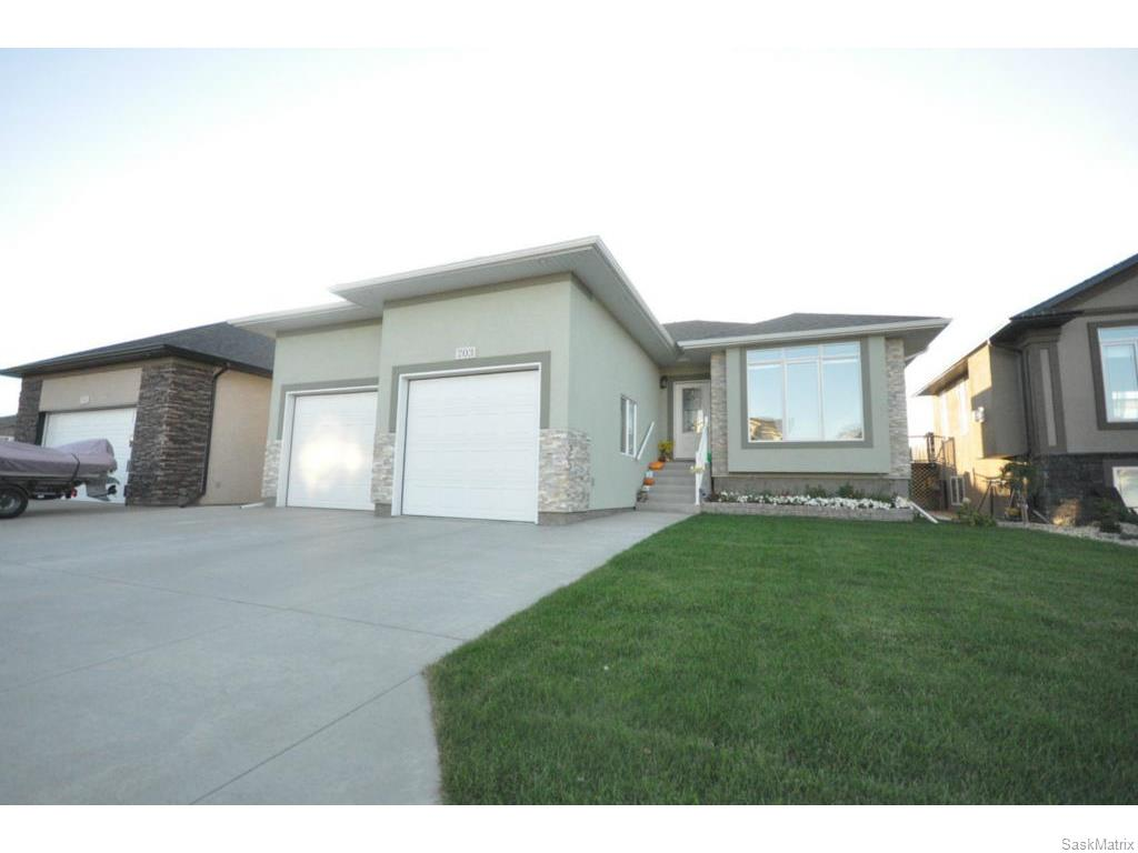 Main Photo: 703 White Oak Avenue in Warman: Residential for sale : MLS® # 613428