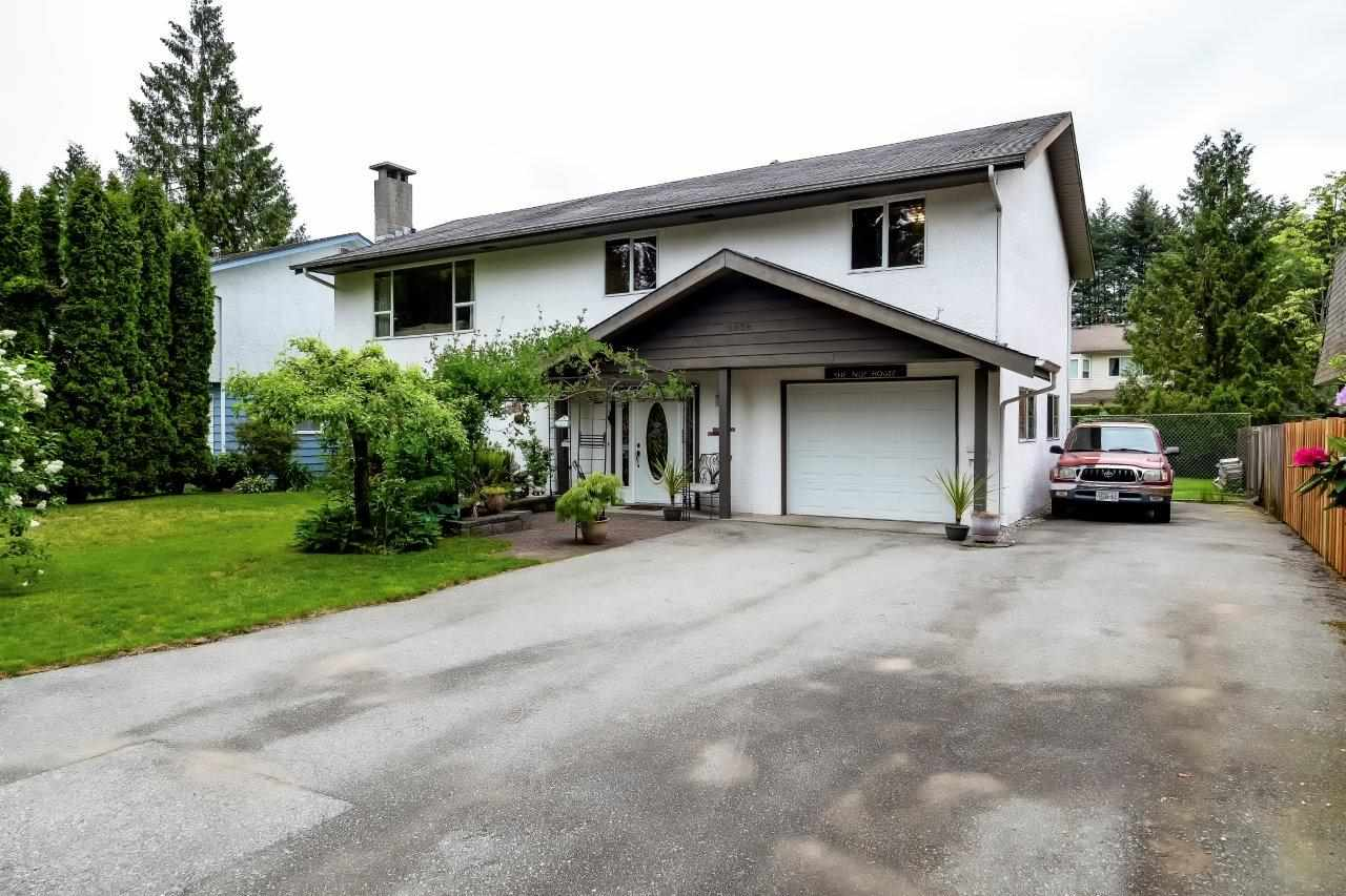 FEATURED LISTING: 2038 CASANO Drive North Vancouver