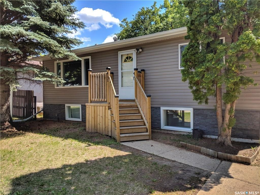 Main Photo: 411 111th Street in Saskatoon: Sutherland Residential for sale : MLS®# SK741030