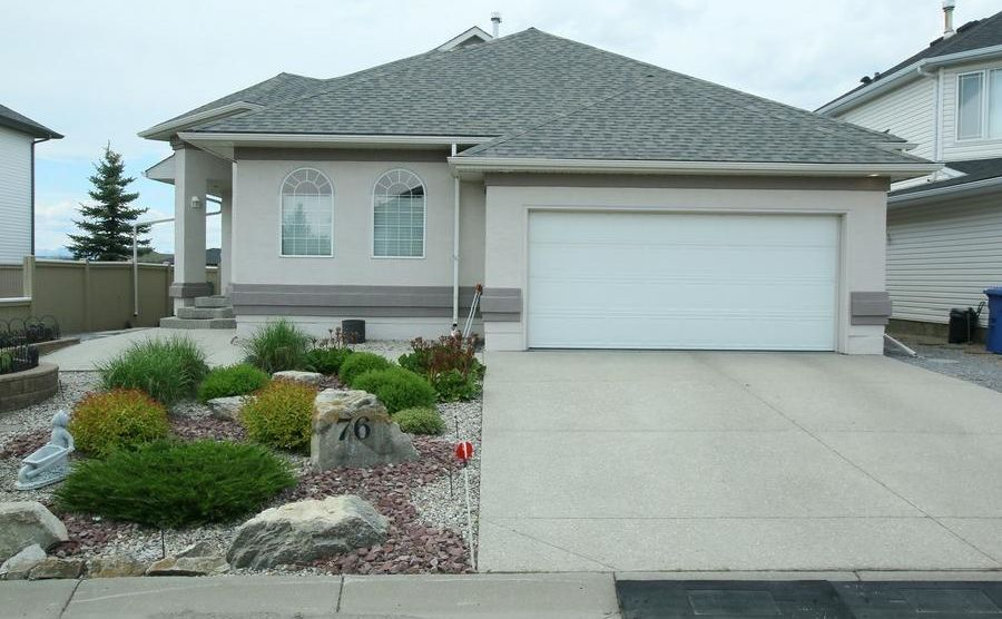 FEATURED LISTING: 76 Sandstone Ridge Crescent Okotoks
