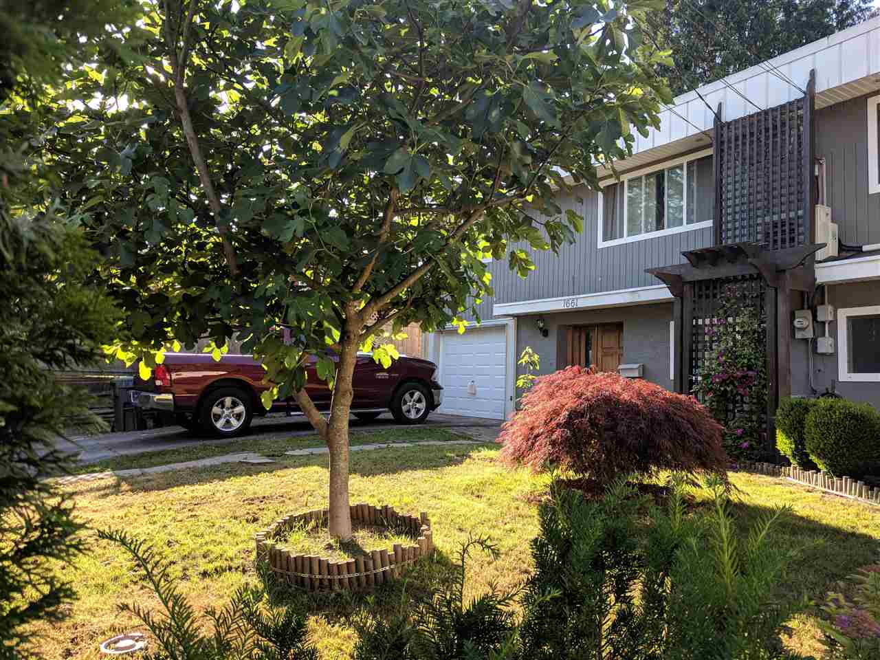 Main Photo: 1661 LINCOLN Avenue in Port Coquitlam: Oxford Heights House 1/2 Duplex for sale : MLS®# R2280325