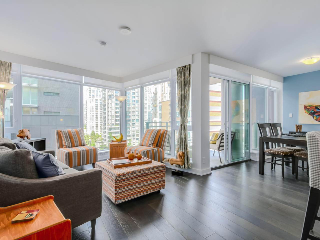 "Main Photo: 905 1372 SEYMOUR Street in Vancouver: Downtown VW Condo for sale in ""THE MARK"" (Vancouver West)  : MLS® # R2077192"