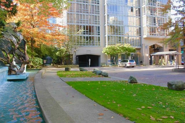 "Main Photo: 2405 950 CAMBIE Street in Vancouver: Yaletown Condo for sale in ""Pacific Place Landmark 1"" (Vancouver West)  : MLS(r) # R2177212"