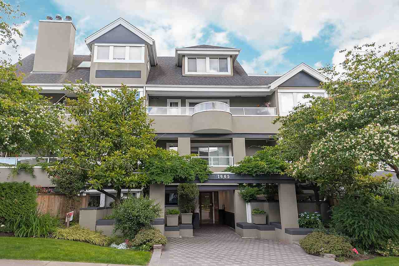 "Main Photo: 202 1665 ARBUTUS Street in Vancouver: Kitsilano Condo for sale in ""THE BEACHES"" (Vancouver West)  : MLS®# R2094713"