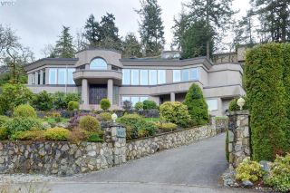 Main Photo: 1087 Totemwood Lane in VICTORIA: SE Broadmead Single Family Detached for sale (Saanich East)  : MLS® # 387024