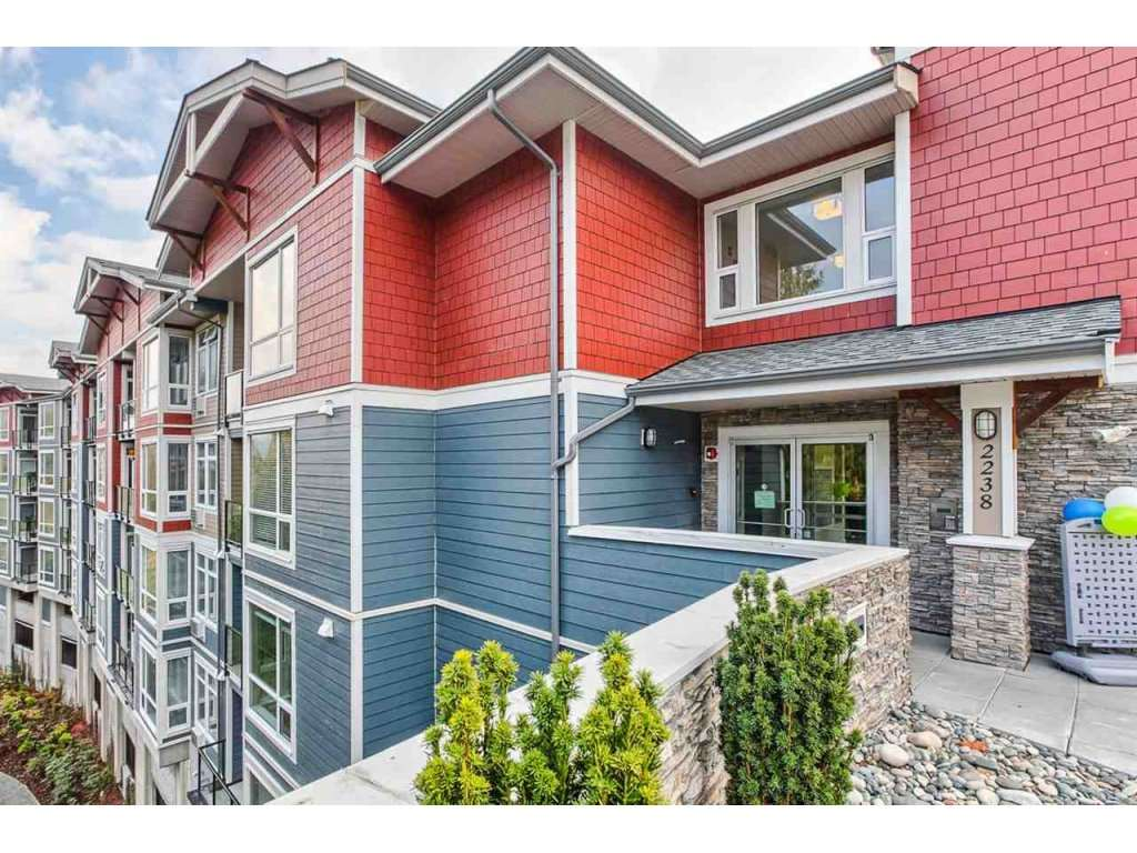 "Main Photo: 217 2238 WHATCOM Road in Abbotsford: Abbotsford East Condo for sale in ""WATERLEAF"" : MLS®# R2137425"
