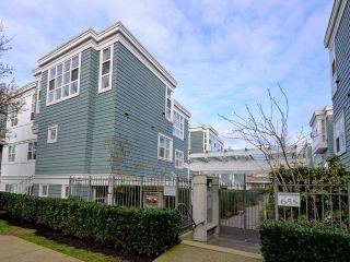 "Main Photo: 101 657 W 7TH Avenue in Vancouver: Fairview VW Townhouse for sale in ""THE IVY'S"" (Vancouver West)  : MLS® # R2241548"