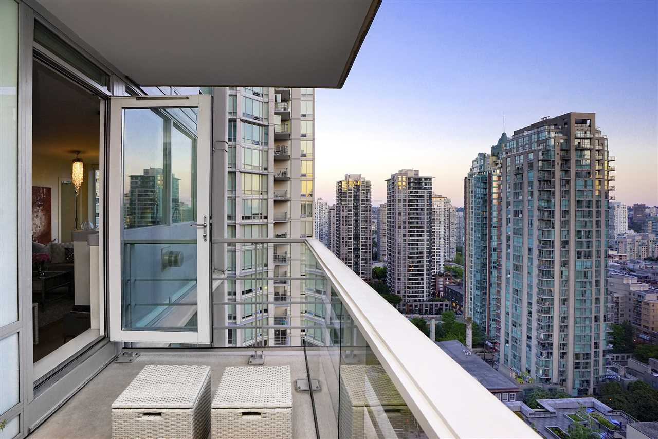 FEATURED LISTING: 2101 565 SMITHE Street Vancouver