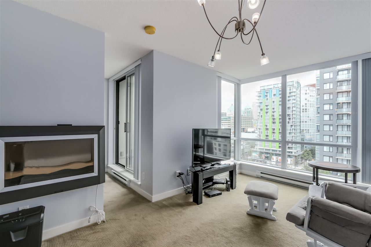 "Photo 3: 1203 1082 SEYMOUR Street in Vancouver: Downtown VW Condo for sale in ""FREESIA"" (Vancouver West)  : MLS® # R2079739"