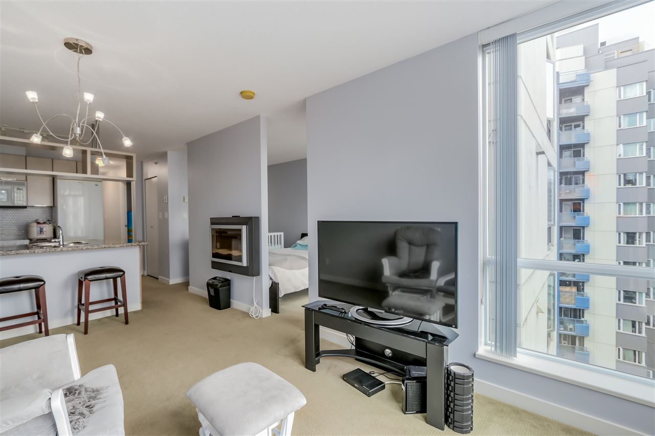 "Photo 5: 1203 1082 SEYMOUR Street in Vancouver: Downtown VW Condo for sale in ""FREESIA"" (Vancouver West)  : MLS® # R2079739"