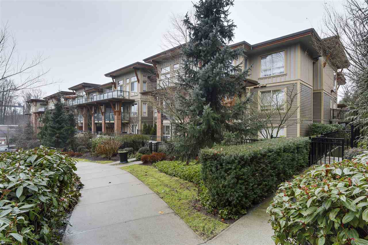 "Main Photo: 305 1633 MACKAY Avenue in North Vancouver: Pemberton NV Condo for sale in ""Pemberton"" : MLS® # R2132308"