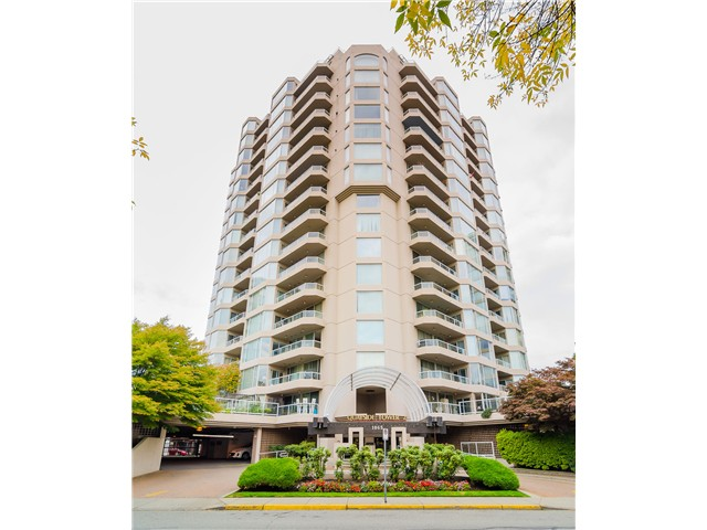 "Main Photo: 1505 1065 QUAYSIDE Drive in New Westminster: Quay Condo for sale in ""QUAYSIDE TOWER II"" : MLS®# V1106783"