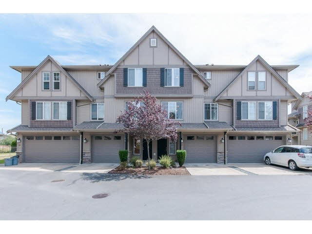 "Main Photo: 29 46321 CESSNA Drive in Chilliwack: Chilliwack E Young-Yale Townhouse for sale in ""CESSNA LANDING"" : MLS® # H2152473"
