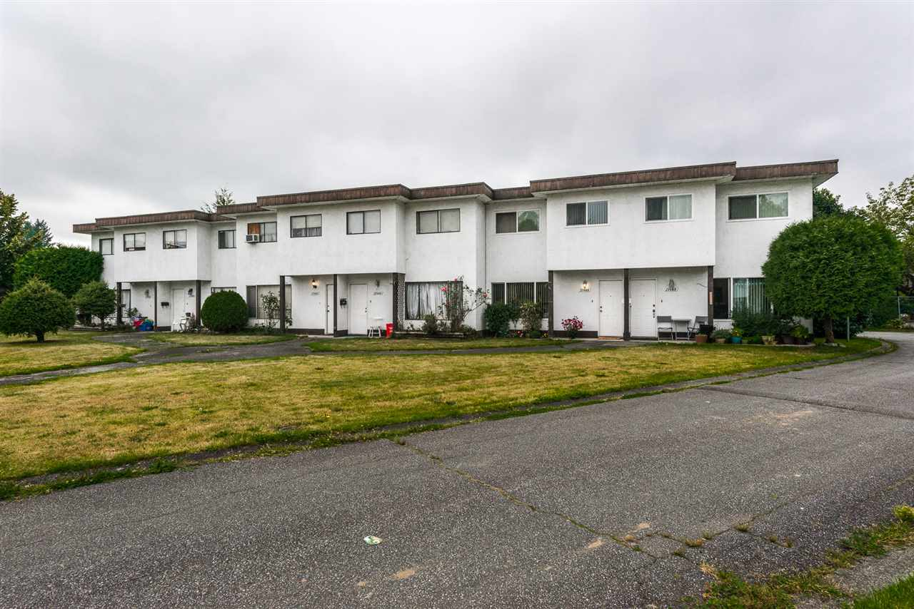 Main Photo: 21466 MAYO Place in Maple Ridge: West Central Townhouse for sale : MLS®# R2106633