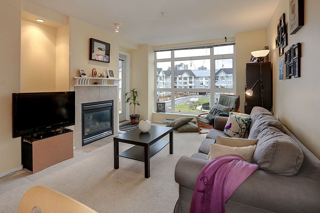 "Main Photo: 305 3136 ST JOHNS Street in Port Moody: Port Moody Centre Condo for sale in ""SONRISA"" : MLS®# R2135026"