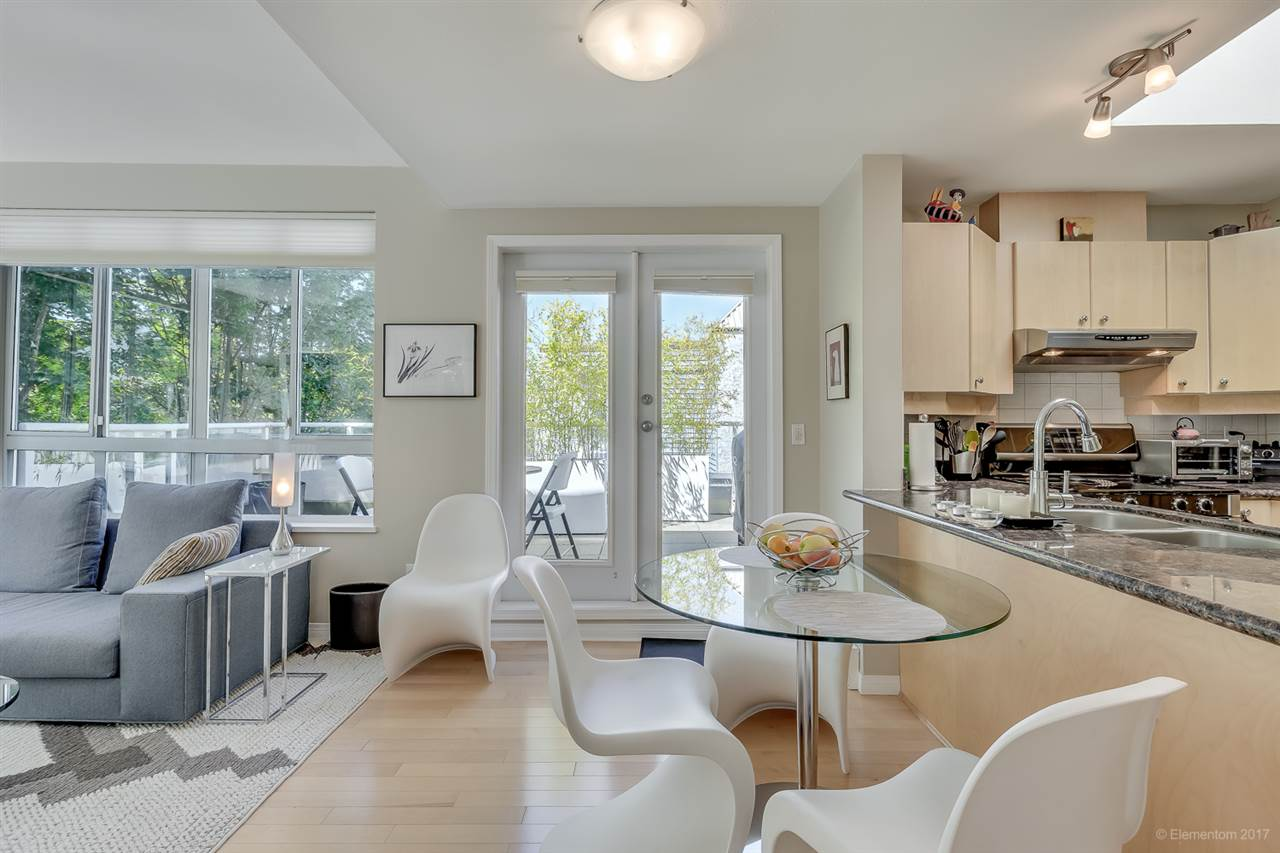 FEATURED LISTING: 404 - 3235 4TH Avenue West Vancouver