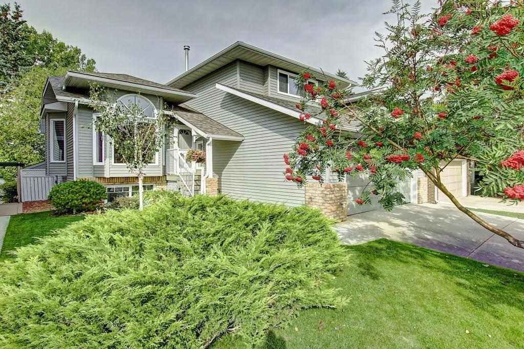 FEATURED LISTING: 2207 MORRIS Road Southeast Airdrie