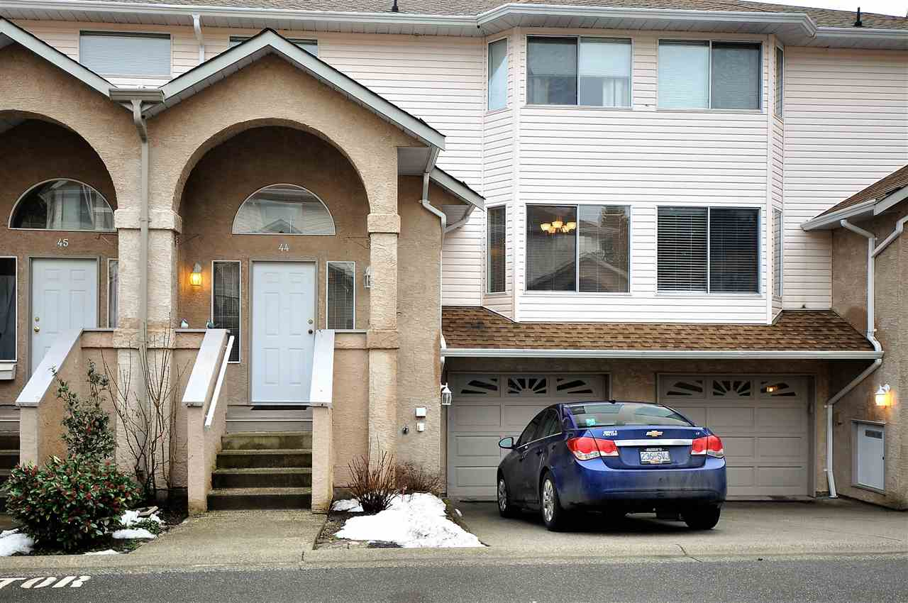 "Main Photo: 44 32339 7 Avenue in Mission: Mission BC Townhouse for sale in ""Cedarbrooke Estates"" : MLS®# R2230868"