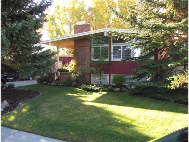 FEATURED LISTING: 140 MAPLEBURN Drive Southeast CALGARY