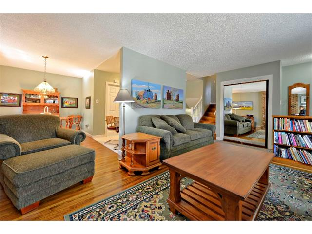 Photo 9: 2931 LATHOM Crescent SW in Calgary: Lakeview House for sale : MLS® # C4006222