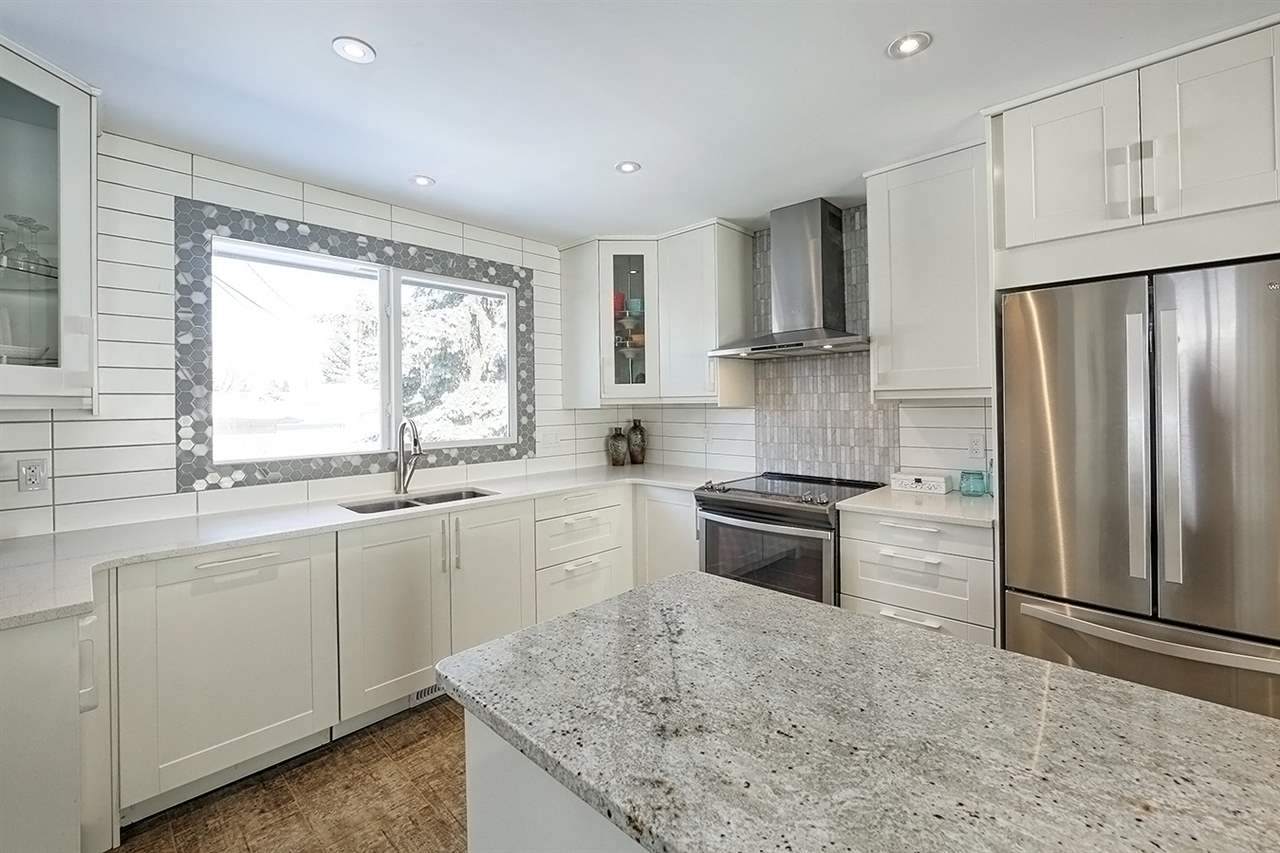 Main Photo: 7220 99 AVE in Edmonton: Zone 19 House for sale : MLS® # E4099823