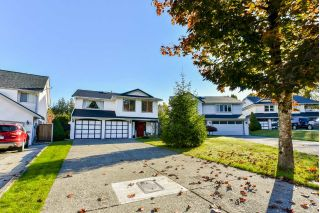 "Main Photo: 21581 93 Place in Langley: Walnut Grove House for sale in ""Walnut Grove"" : MLS®# R2315807"