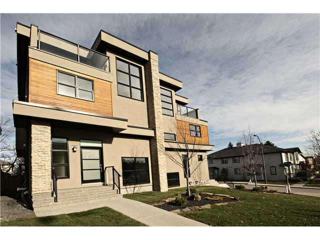 Main Photo: 1904 27 Avenue SW in Calgary: South Calgary Residential Attached for sale : MLS® # C3642709