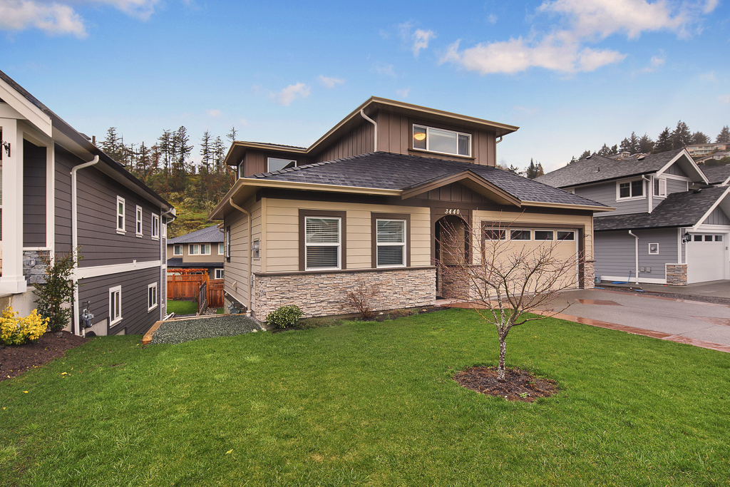 Main Photo: 3440 Hopwood Place in : Co Latoria Single Family Detached for sale (Colwood)  : MLS® # 375802