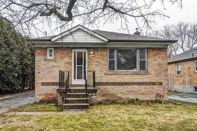 Main Photo: 50 Cynthia Rd in Toronto: Rockcliffe-Smythe Freehold for sale (Toronto W03)  : MLS®# W4095095