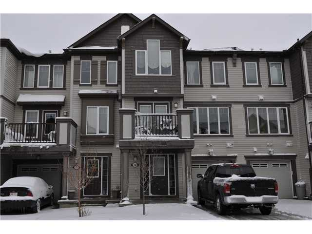 Welcome to this 1230 Sqft Townhouse in Popular Windsong.  NO CONDO FEES HERE!!!!!!!!!!!!!