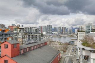 "Main Photo: 907 88 W 1ST Avenue in Vancouver: False Creek Condo for sale in ""PINNACLE LIVING AT FALSE CREEK"" (Vancouver West)  : MLS® # R2247986"