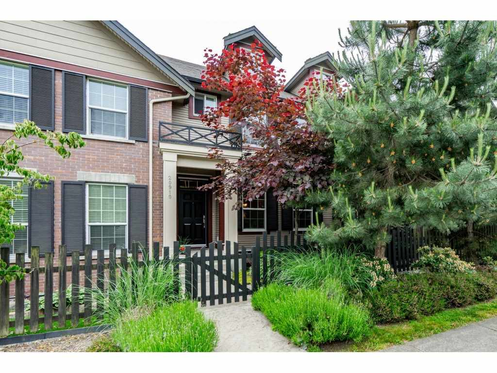 FEATURED LISTING: 20910 72 Avenue Langley