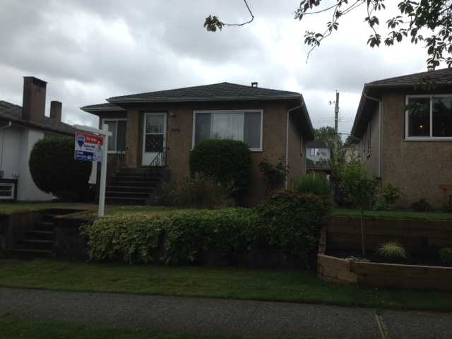 Main Photo: 2576 E 24TH Avenue in Vancouver: Renfrew Heights House for sale (Vancouver East)  : MLS®# V1072343