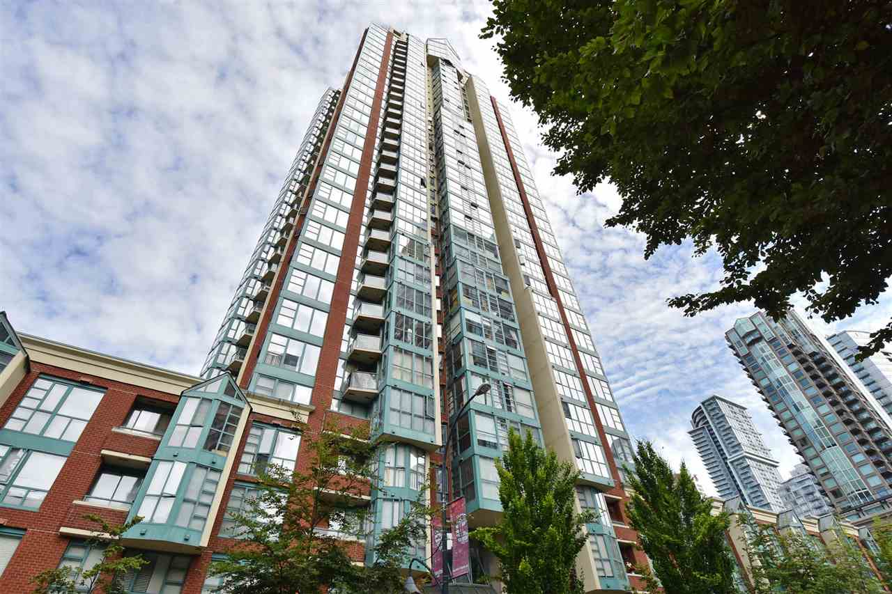 FEATURED LISTING: 706 - 939 HOMER Street Vancouver